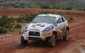 Terranova volcó el segundo día pero siguió en carrera. Foto: Prensa Dakar.