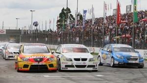 La largada del WTCC en Curitiba de 2009.