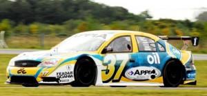 El Ford de TRV6 de Pechito López que luce la publicidad de Oil - Foto: TOP RACE