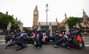 Pit stop del Red Bull Racing F1 en las calles de Londres.