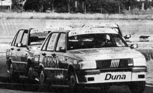El Fiat Duna de Oltra en carrera en el Desafío de los Valientes de 1989.