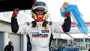 Esteban Guerrieri celebra el sábado en Silverstone antes de ser desclasificado.