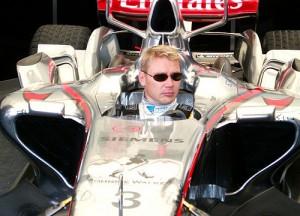 Hakkinen sobre un McLare-Mercedes de Fórmula 1