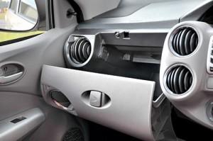 Toyota Etios - Fotos: Autocar India