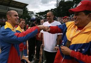 Pastor Maldonado junto a Hugo Chávez