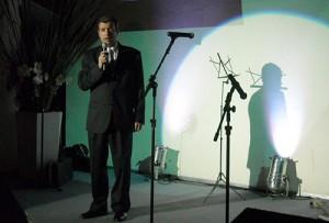 Daniel Moretti en la fiesta de fin de año y presentación del Peugeot RCZ