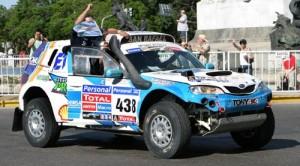 Alvarez-Belarde llegaron 15 entre los autos.