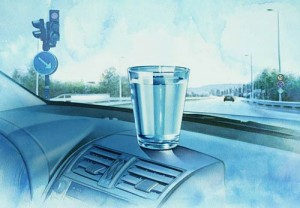 Un vaso con agua, la propuesta ecológica de Toyota.