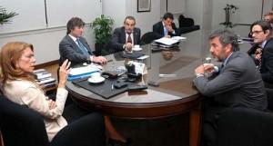 Giorgi dialoga con Pulenta. Miran Gioia, Boudou y Moreno. Foto: Prensa Industria