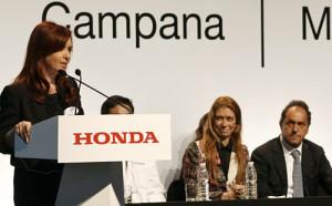La presidenta Cristina Kirchner en la inauguración de la planta de Honda en Campana.
