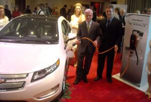 Sergio Rocha junto a Paulo Riedel, responsable de Powertrain de GM Sudamérica