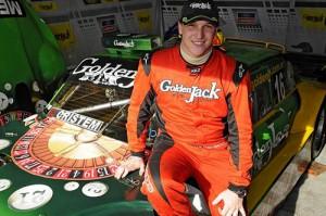 Guido Falaschi junto a su Ford Falcon de TC.