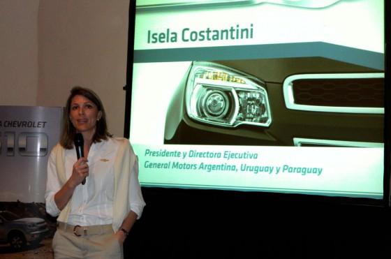La presidenta de General Motors Argentina, Isela Costantini en la presentación de la S-10