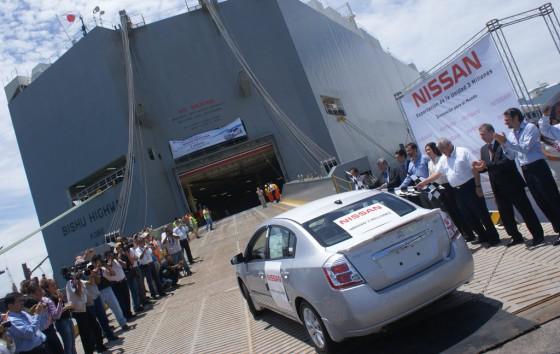 Un Nissan Sentra mexicano listo para ser exportado.