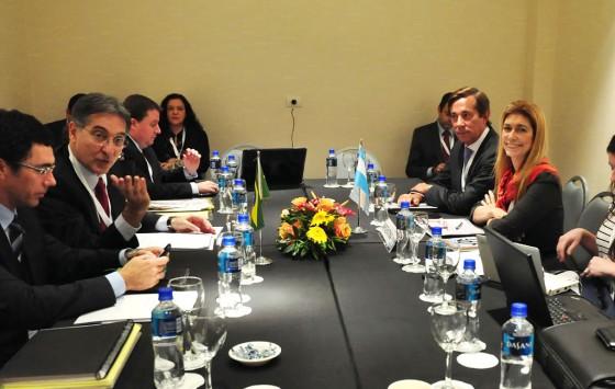 Argentina y Brasil acordaron rediseñar una política automotriz común
