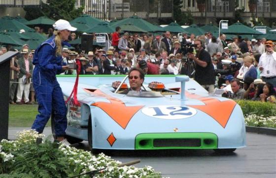 Seinfeld con su 908/3 recibiendo un premio en Pebble Beach 2009.