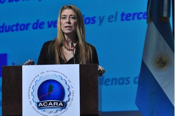 La ministra de Industria, Débora Giorgi en la convención de ACARA.