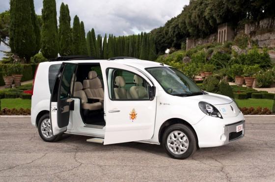 El Papamóvil eléctrico de Renault.