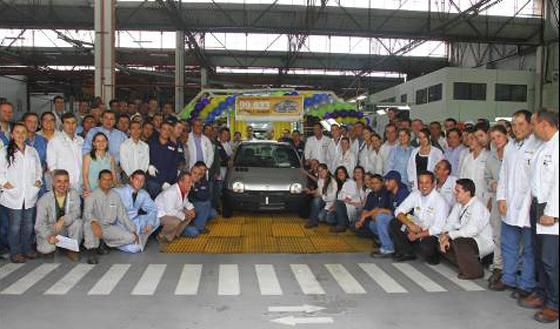 Adiós al viejo Renault Twingo: en Colombia se fabricó la última unidad