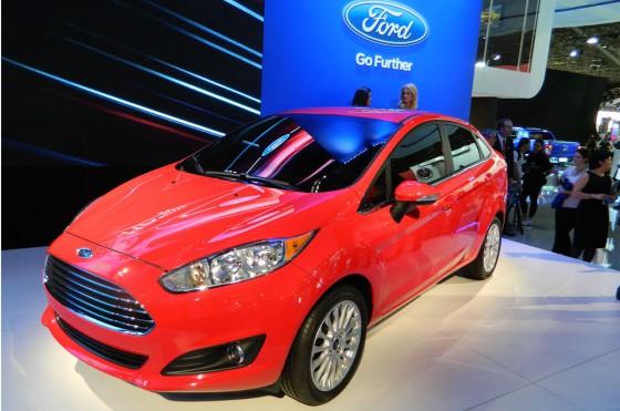 Nuevo Ford Fiesta Kinetic Design sedán en el Salón de San Pablo 2012.