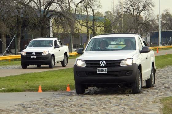 Las Amarok Cabina Simple en la pista de pruebas.