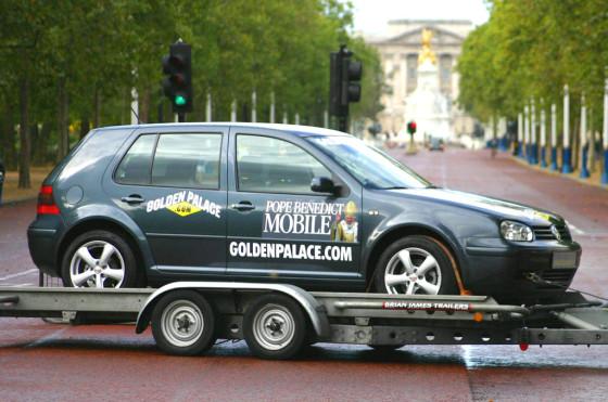 Confusión: este es el auto, un VW Golf que ya había sido subastado en 2005.