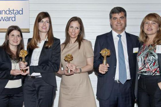 Los directores de Recursos Humanos de VW, IBM y Mercedes-Benz, con Andrea Ávila, de Randstad.
