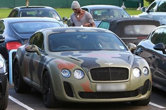 El particular Bentley del italiano Mario Balotelli.