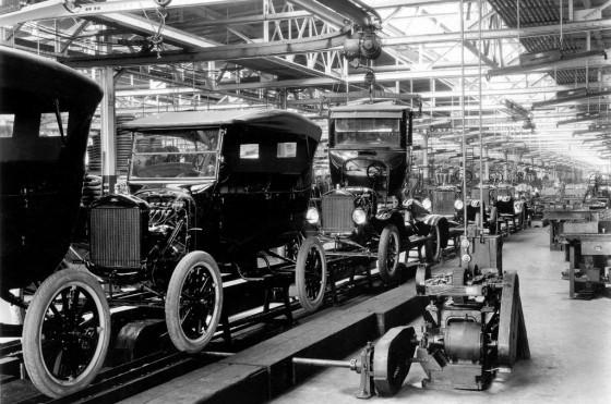 Línea de ensamblaje de Ford en 1924