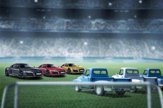 """Audi representó a Alemania con R8 y a la Argentina con viejas camionetas """"sapo""""."""