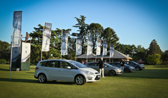 Autos y golf: el S-Max, protagonistas del Primer Major Series del Ford Kinetic Design Golf Invitational