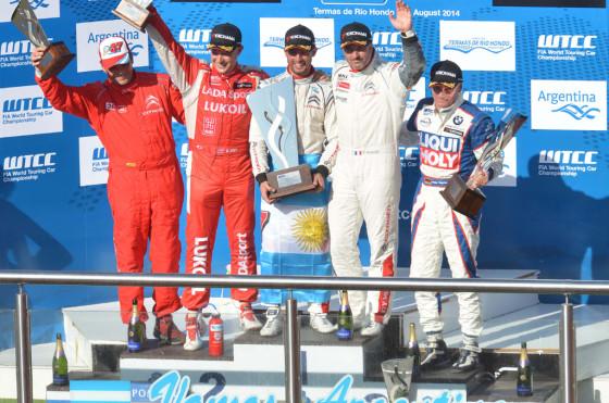 #WTCC: Pechito López ganó las dos carreras en Termas y se afianza en la punta del campeonato