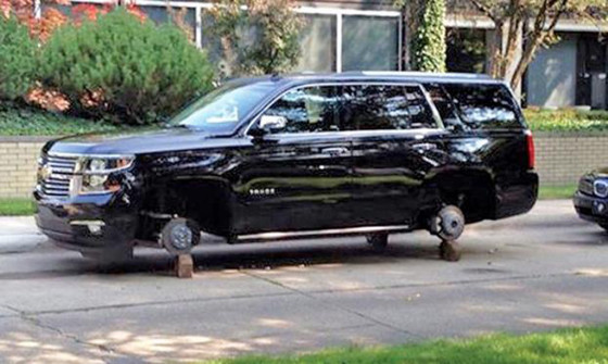 La Chevrolet Tahoe de Tim Mahoney.