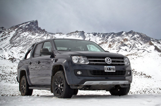 VW Amarok Dark Label