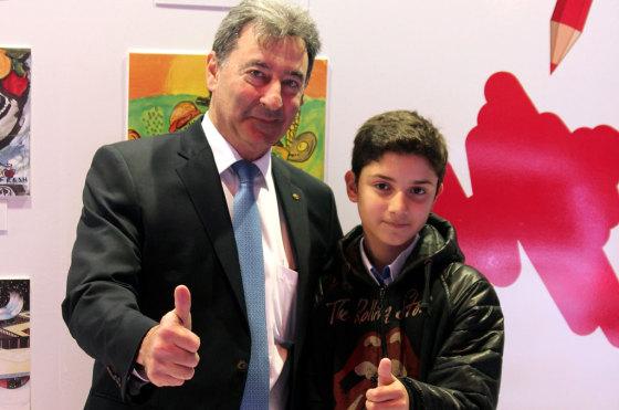Daniel Herrero, presidente de Toyota Argentina y Uriel García, finalista de la edición 2013.