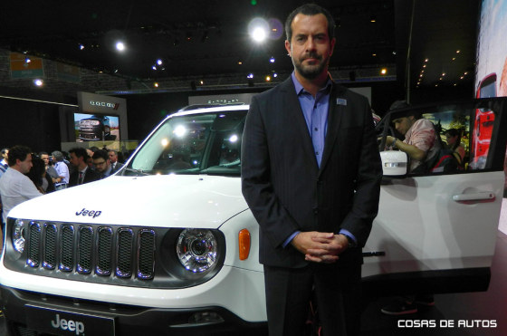 Diego Vignati junto al Jeep Renegade en el Salón de Pablo 2014