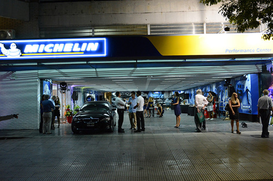 Performance Center inauguró un nuevo local Michelin en Belgrano