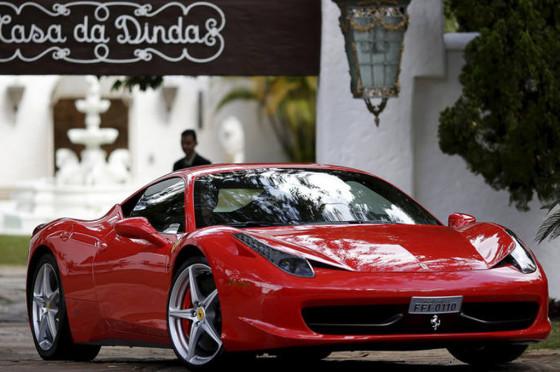 Ferrari 458 Italia encontrada en la finca de Collor de Melo.