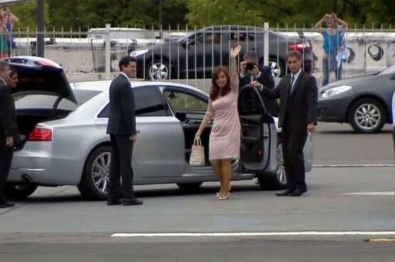 CFK en el Audi A8L de presidencia