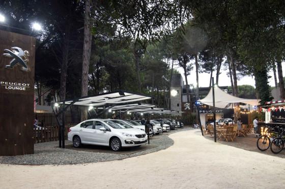 Stand de Peugeot en Cariló