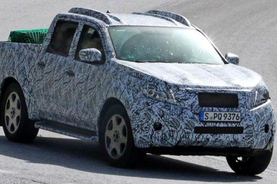 La pick-up de Mercedes-Benz camuflada