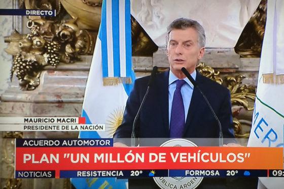 El gobierno presentó el acuerdo automotor con el objetivo de producir un millón de autos