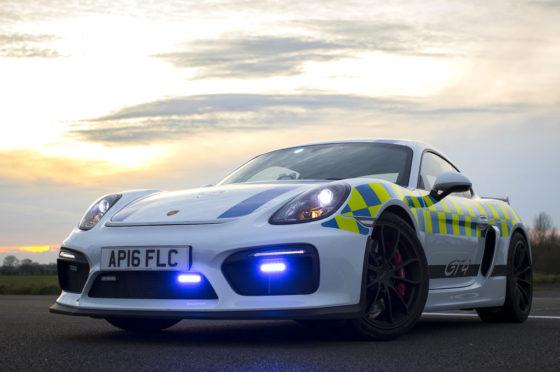 Porsche Cayman GT4 de Policía