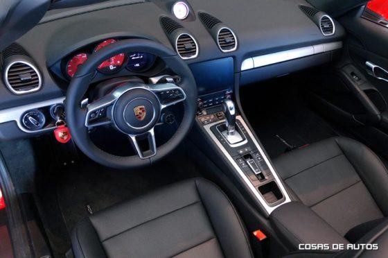 Así es el interior del Boxster 718