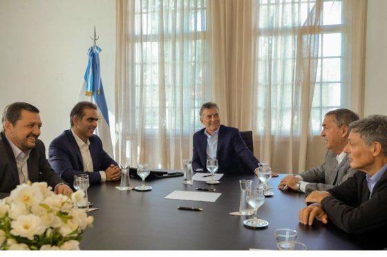 Vázquez, Di Si, Macri, Schiaretti y Cabrera en la Quinta de Olivos durante el anuncio de VW.