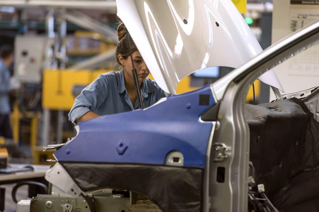 b0f1d14b5 Argentina: en los dos primeros meses de 2019 la producción de autos cae un  22% | Cosas de Autos Blog