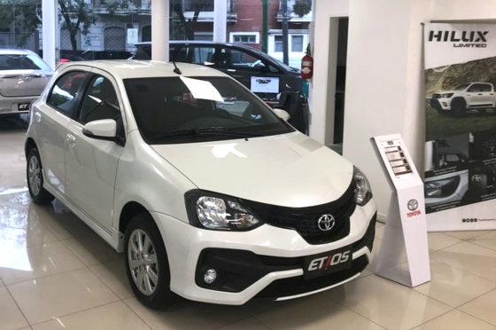 Toyota Etios + Hilux