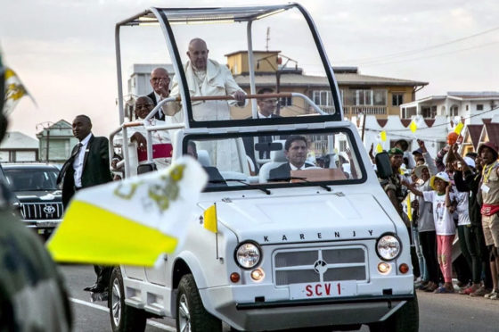 Papa Francisco Madagascar papamóvil
