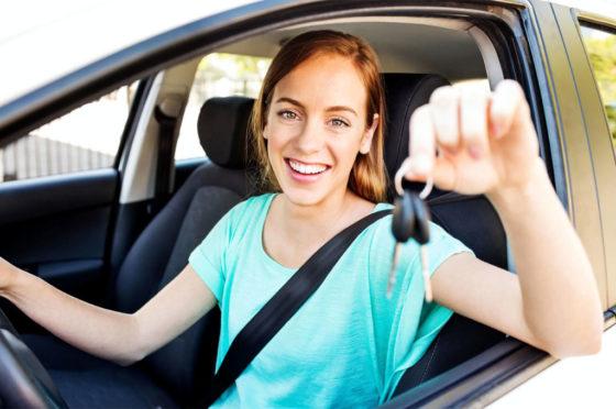 Compradores jóvenes de autos