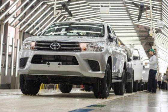 Toyota Hilux en la planta de Zárate